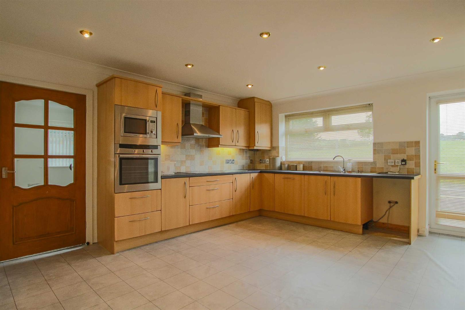 5 Bedroom Detached Bungalow For Sale - Image 7